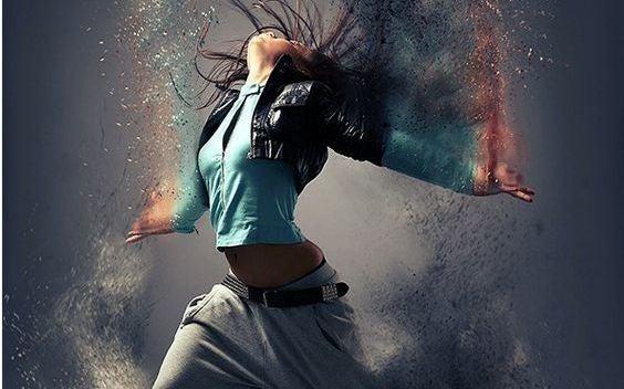 chica bailando con pasión