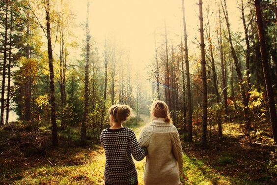 chicas-paseando