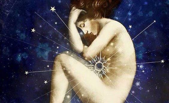 mujer desnuda con estrella en el centro representando a los apolíticos