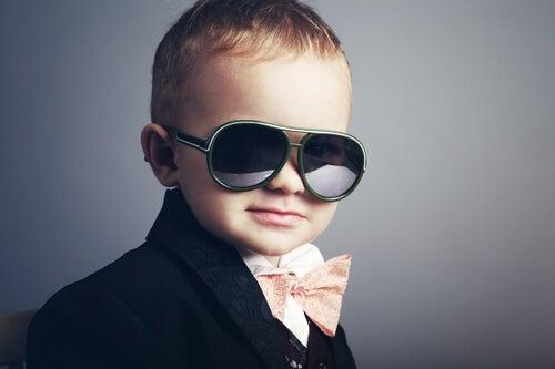 5 señales de que estás criando un hijo narcisista