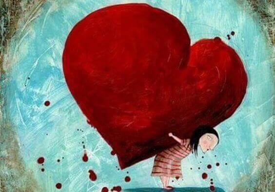 Chica cargando con un corazón