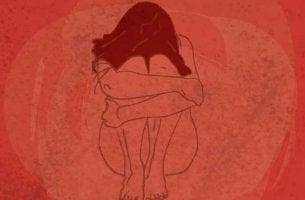 Mujer con dolor de endometriosis