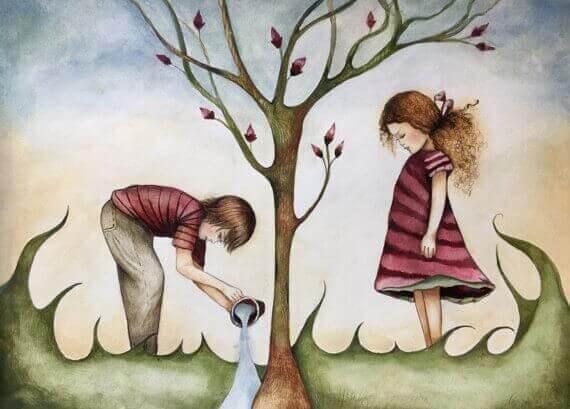 Primos regando un árbol