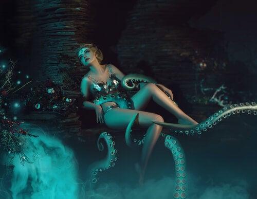 Mujer rodeada por tentáculos
