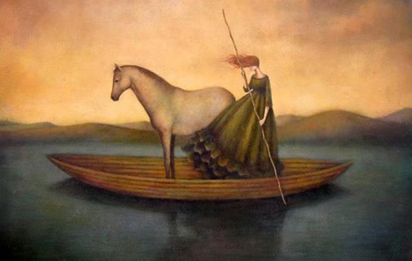 caballo y mujer en una barcaza dejando pasar el tiempo