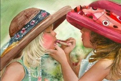 Hermanas pintándose los labios