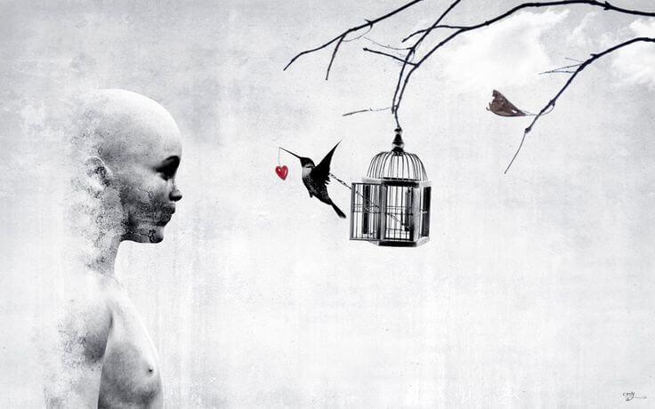 mujer ante una jaula de la que sale un pájaro