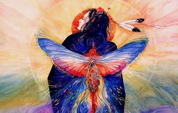 nativo americano con pájaro en la espalda que simboliza el tiempo