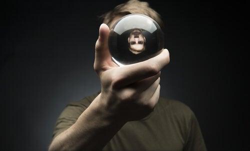 Las 3 falsas alternativas a la psicología más peligrosas