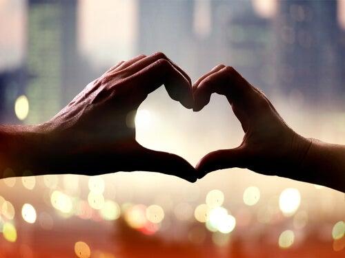 Nada mejora tanto a las personas como el amor