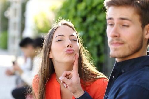 Cómo gestionar conflictos con humor