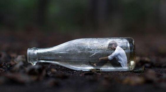 hombre botella