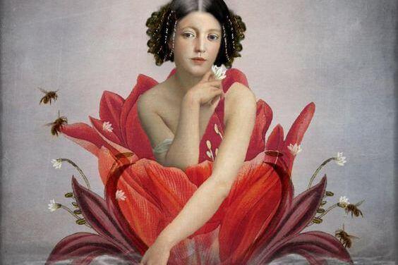 mujer en el interior de una flor