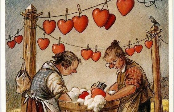 Mujeres lavando un corazón
