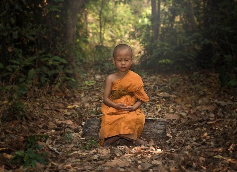 El monje y el helado de chocolate, un cuento budista sobre el ego