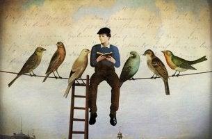 Hombre sentado con pájaros leyendo libros de refranes