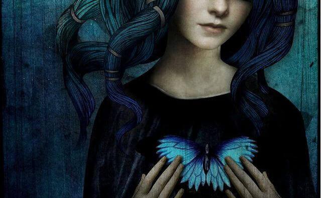 Mujer corazón de mariposa