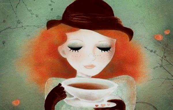 mujer con taza de cafe