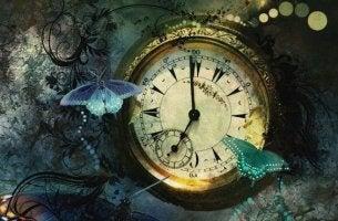 Reloj con mariposas representando técnica pomodoro
