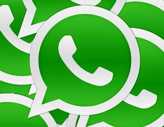 imagen representando la relación entre WhatsApp y pareja