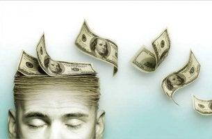 Hombre pensando en dinero