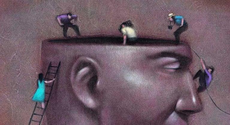 La verdad triunfa sobre sí misma, la mentira necesita complicidad