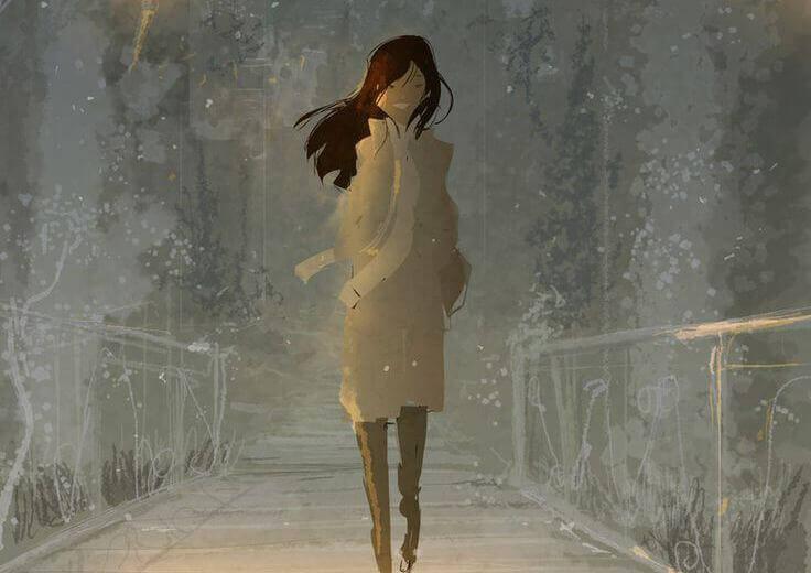 Mujer caminando feliz
