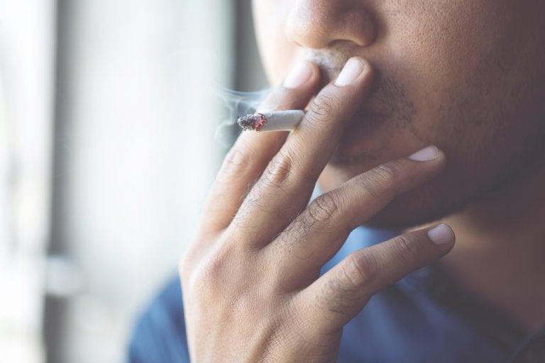 Fumar aumenta el riesgo de complicaciones cuando existe una infección por coronavirus