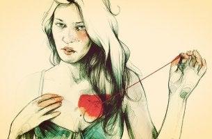 mujer tocándose el corazón