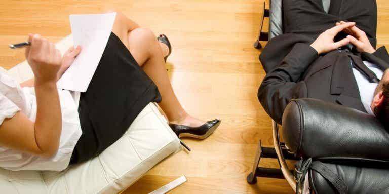 ¿Es verdad que te enamoras de tu psicoterapeuta?