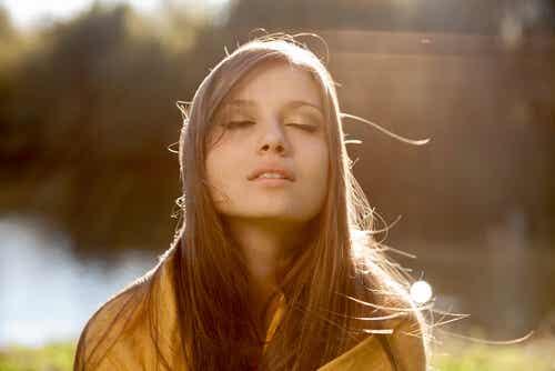 Nada hace más bella a una mujer que la creencia de que lo es