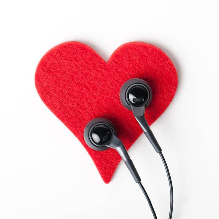 escuchar corazón
