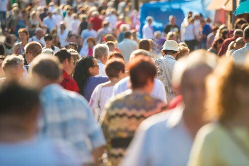 Mucha gente en la calle