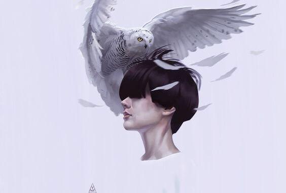 mujer con buho