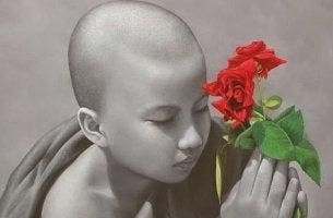 niño con flor