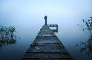 Hombre en el rio