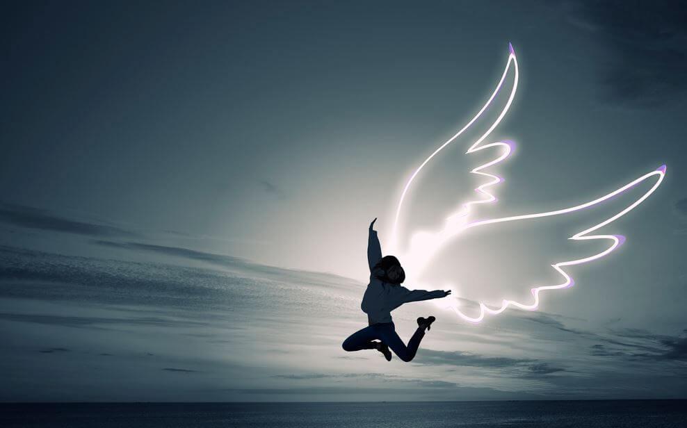 La felicidad ama el punto de locura que la vida impone