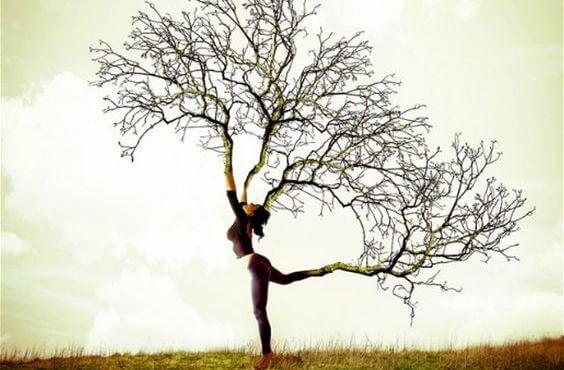 mujer-ramas