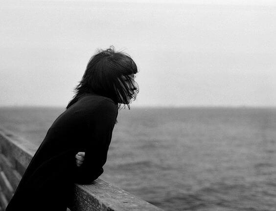 Mujer soledad