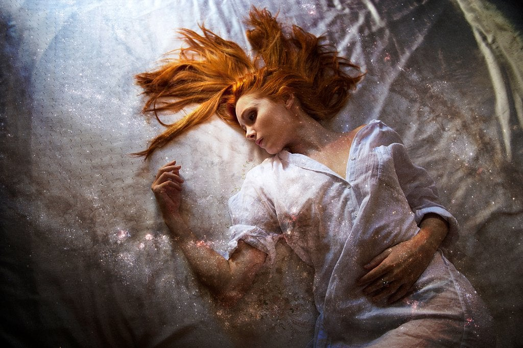 La angustiosa e inofensiva parálisis del sueño