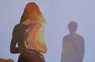 pareja distante