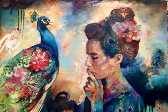 mujer con pavo real pensando en un sueño