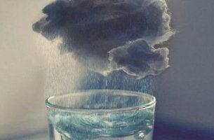 Tormenta en un vaso