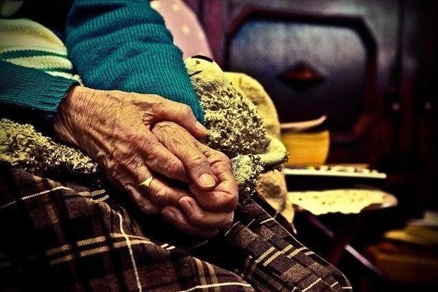 Lo que nuestros abuelos necesitan es amor y paciencia
