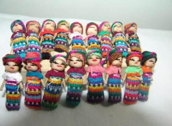 La leyenda de los muñecos quitapesares, figuras que alivian las penas