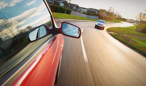 ¿Por qué tenemos conductas de riesgo al volante?
