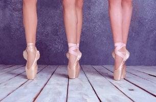 Pies de bailarinas de ballet