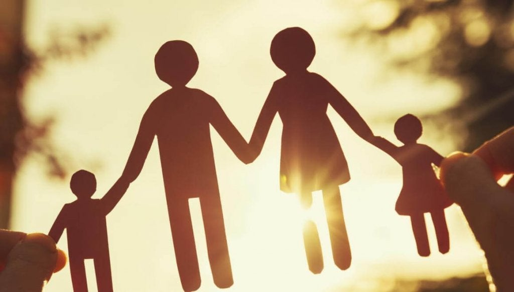 Recorable con figuras de padres e hijos