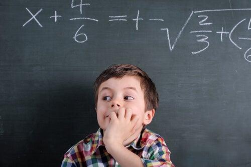Niño con problemas de matematicas