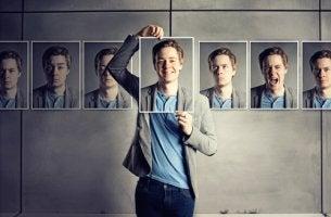 Hombre con varias caras mostrando emociones